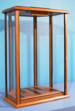 Click for Custom Fine Art Display Cases
